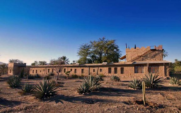 Fort Sesfontein Lodge & Safaris