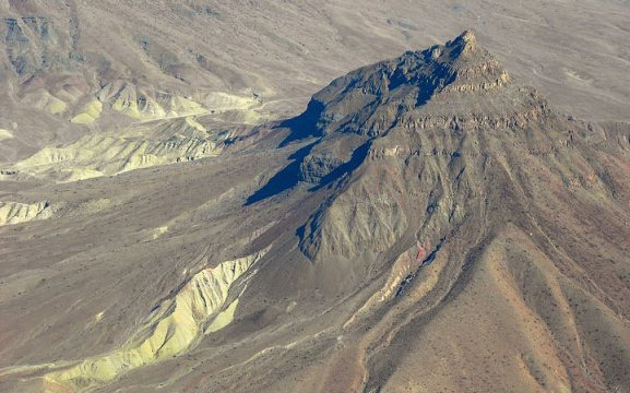 Scenic flights from Swakopmund to Damaraland